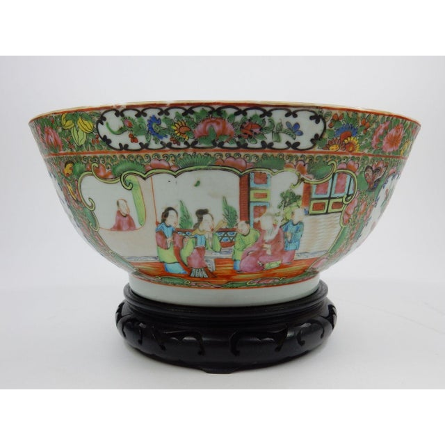 Antique Chinese Export Rose Medallion Serving Bowl For Sale - Image 9 of 11