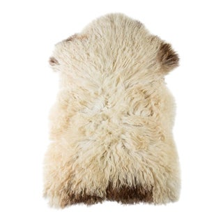 "Contemporary Hand-Tanned Sheepskin Pelt Rug - 2'2""x3'4"" For Sale"