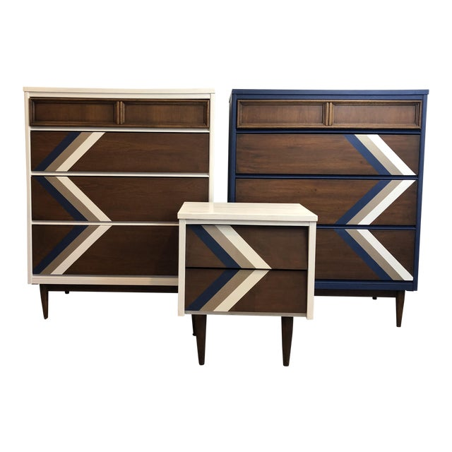 Vintage Bassett MCM Dressers or Chest of Drawers & Night Stand - Set of 3 - Image 1 of 11