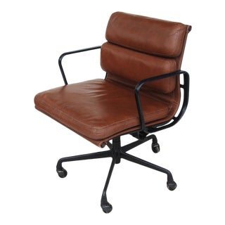 Vintage Herman Miller Eames Executive Soft Pad Chair For Sale