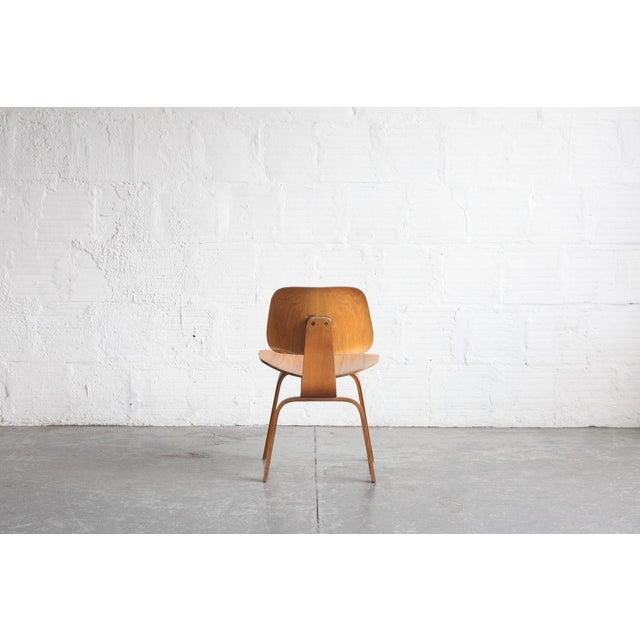 Herman Miller 1950s Vintage Early Eames for Herman Miller Dcw Chair For Sale - Image 4 of 6
