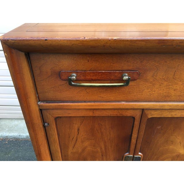 Drexel 1960s Vintage Drexel Mid-Century Meridian Walnut Tall Chest 5 Drawer Dresser For Sale - Image 4 of 11
