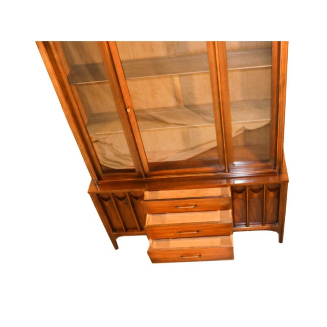 Mid-Century Modern Kent Coffey Perspecta Mid-Century Modern China Hutch Cabinet For Sale - Image 3 of 9