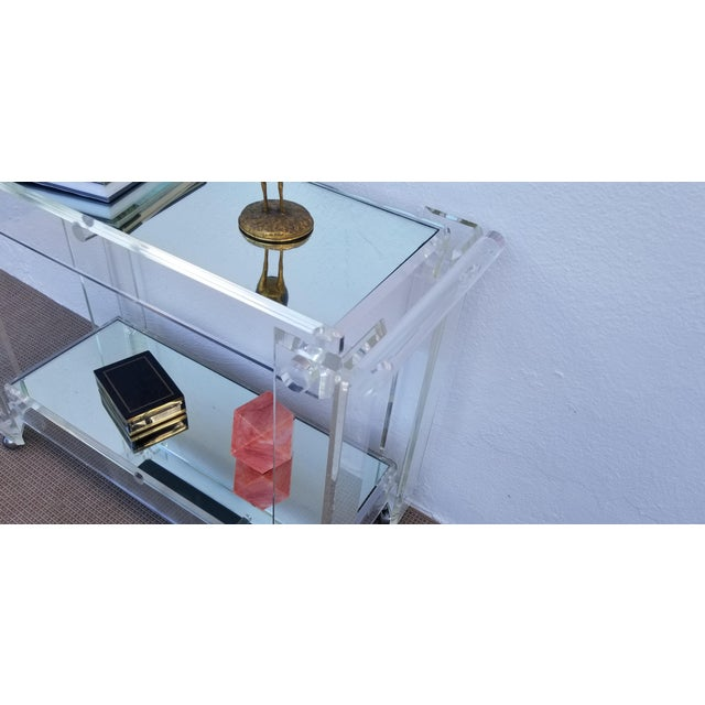 Modern 1970s Lucite Mirrored Glass Bar Cart For Sale - Image 3 of 13