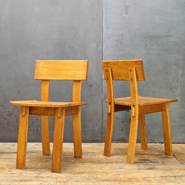 Contemporary 1930s Vintage Russel Wright American Modern Furniture Design Chairs- a Pair For Sale - Image 3 of 10