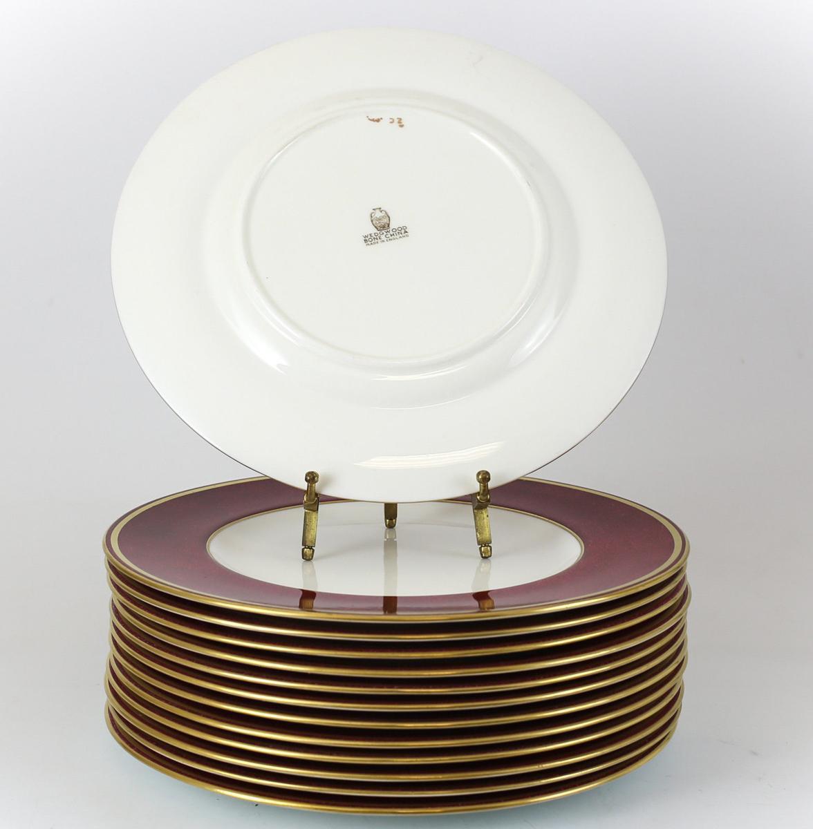 C 1960 Wedgwood Porcelain 10.5\  Dinner Plates in Swinburne Ruby - Set of 14 - & C 1960 Wedgwood Porcelain 10.5\