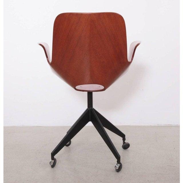 Vittorio Nobili Rare Medea Office Chair with Roles by Vittorio Nobili For Sale - Image 4 of 7