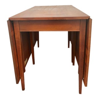 1960s Mid-Century Modern Henkel Harris Cherry Wood Drop Leaf Dining Table For Sale