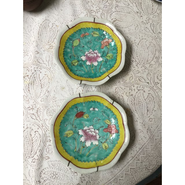 1930's Chinese Ceramic Painted Plates - a Pair For Sale In Los Angeles - Image 6 of 9