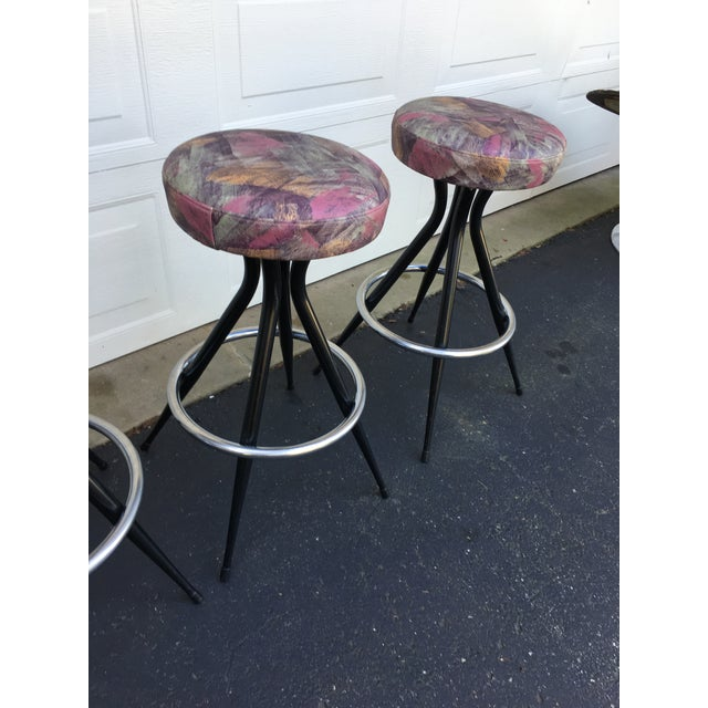 1950s Mid Century Modern Patterened Swivel Bar Stools - Set of 4 For Sale - Image 4 of 8