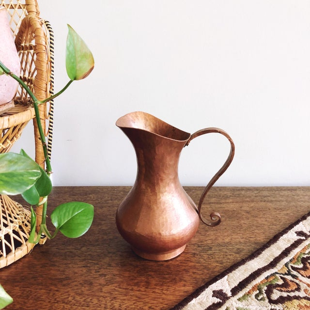Arts & Crafts Antique Arts & Crafts Era Hammered Copper Pitcher For Sale - Image 3 of 7
