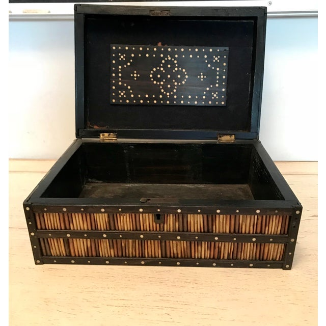 Anglo-Indian Anglo Indian Mahogany & Ebony Porcupine Quill Box For Sale - Image 3 of 4