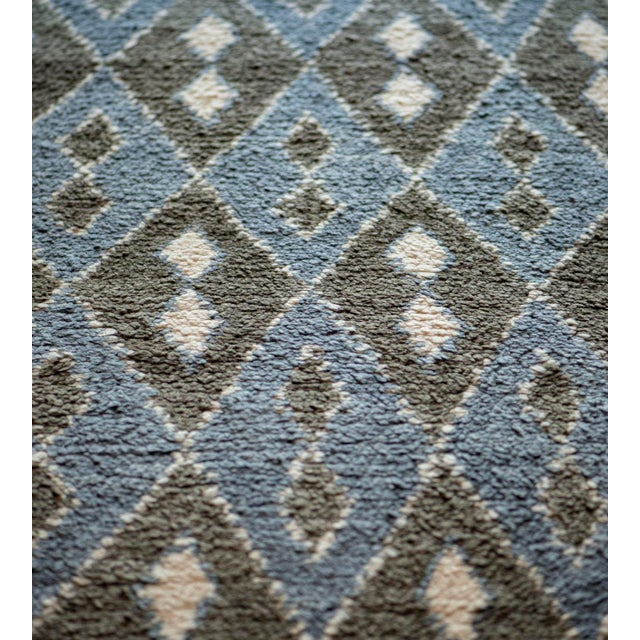 MANSOUR Contemporary Handwoven Turkish Wool Rug For Sale - Image 4 of 6