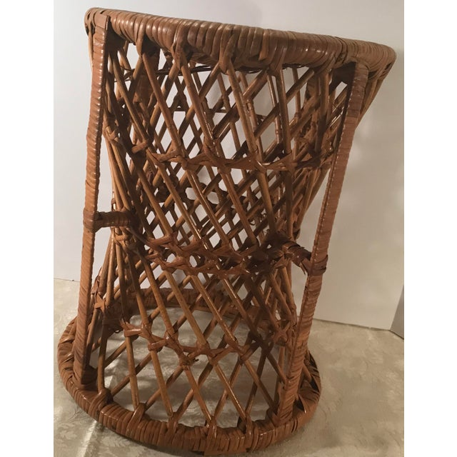 Vintage natural wicker low stool or pedestal plant stand. Nice mid century modern design!