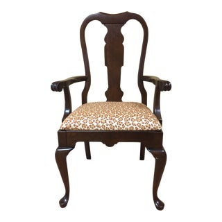 Late 20th Century Pennsylvania House Queen Anne Style Splat Back Dining Arm Chair For Sale