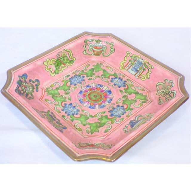 1970s Chinese Export Porcelain Decorative Blush and Caledon Catchall Dish For Sale - Image 5 of 9