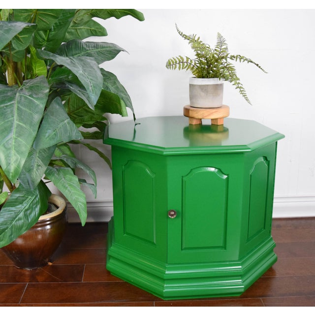 Side table refinished in semi-gloss bottle green by Fine Paints of Europe. Original knob.