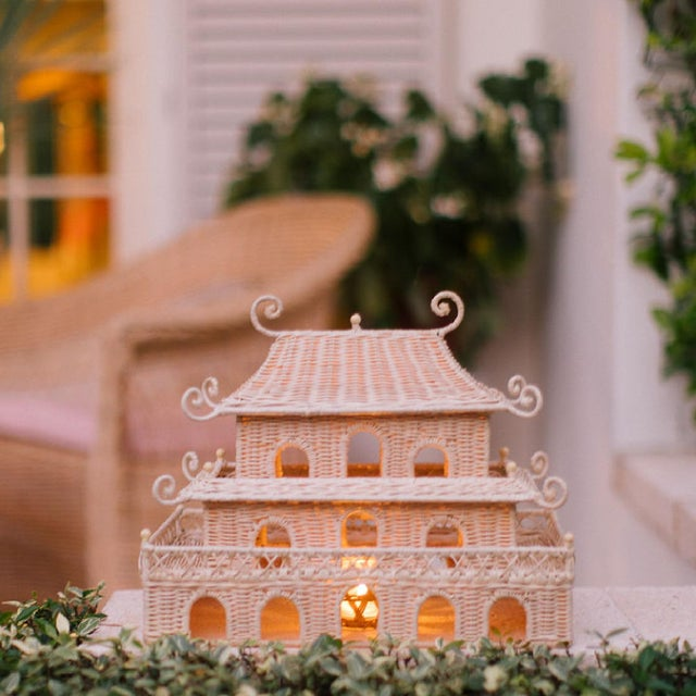 Amanda Lindroth Rectangle Pagoda For Sale - Image 4 of 5