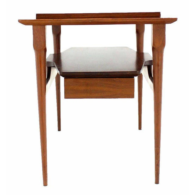 Pair of Mid Century Modern Walnut One Drawer End Tables or Night Stands For Sale In New York - Image 6 of 9