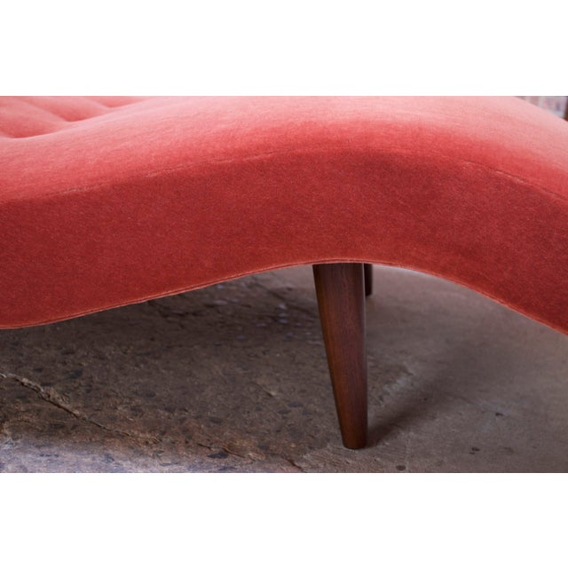 """Adrian Pearsall for Craft Associates """"Wave"""" Chaise Lounge in Coral Mohair For Sale - Image 10 of 13"""