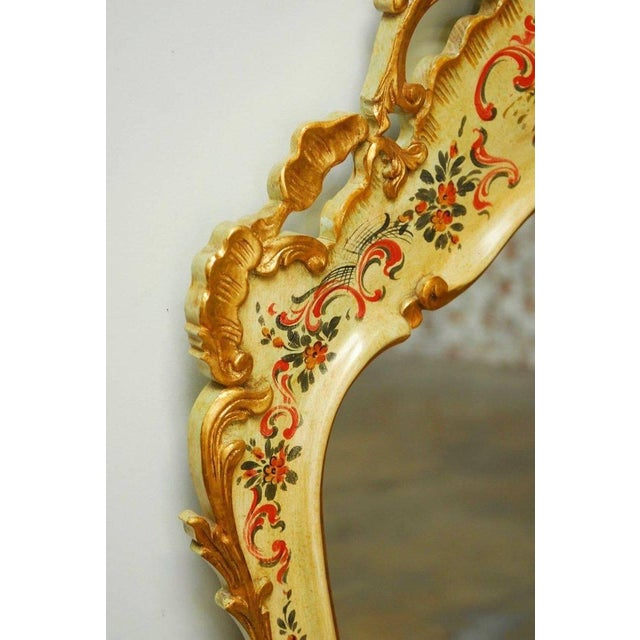 Venetian Chinoiserie Gilt and Lacquered Mirror For Sale - Image 4 of 10