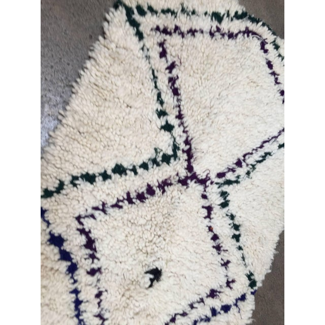 Mid 20th Century Mid Century Moroccan Beni Ouarain Tribal Rug - 2′8″ × 6′3″ For Sale - Image 5 of 8