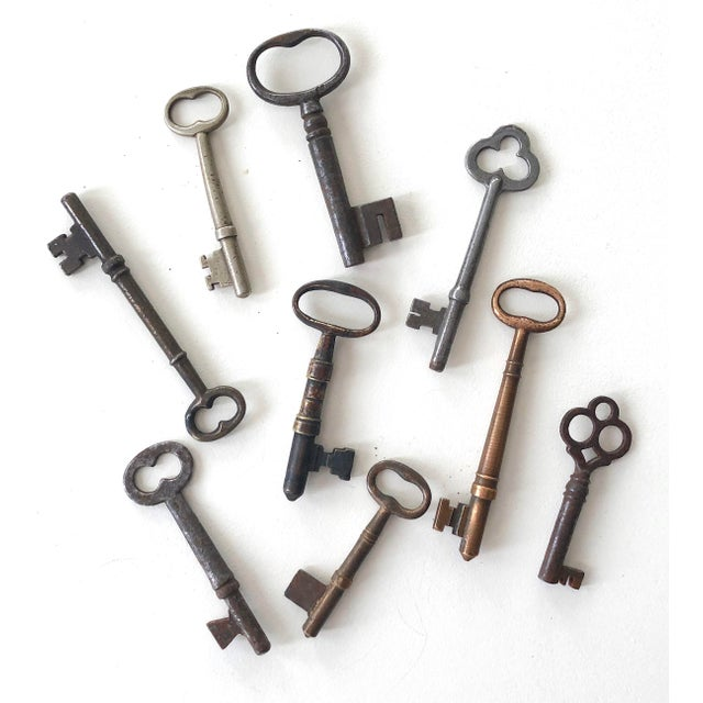 Set of 9 Antique & Vintage Keys For Sale - Image 13 of 13