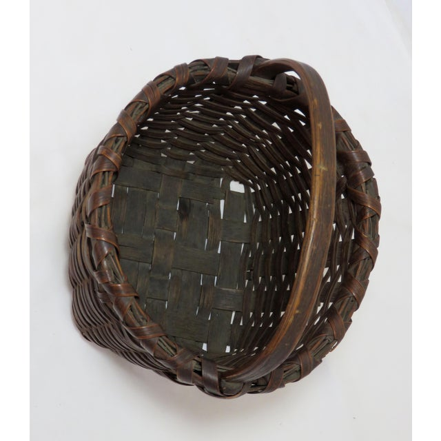 Farmhouse Late 19th Century Antique American Handwoven Splint Basket For Sale - Image 3 of 7