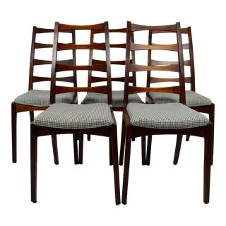 Vintage Mid-Century Modern Walnut Ladderback Type Dining Chairs- Set of 5 For Sale