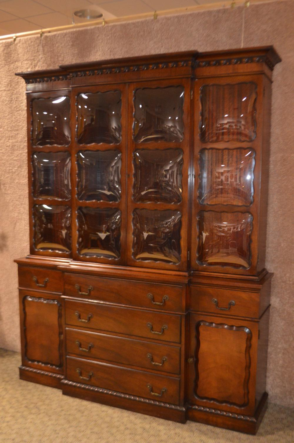 Beau Vintage Two Piece Mahogany Regency Style Bubble Glass China Cabinet For  Sale   Image 4 Of