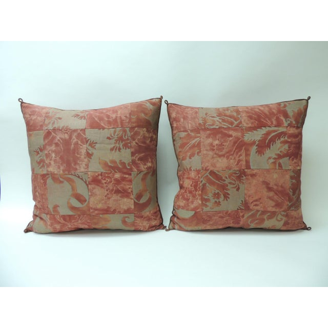 """1940s Pair of Vintage Patchwork Fortuny """"Glicine"""" Pattern Red and Silvery Pillows For Sale - Image 5 of 5"""
