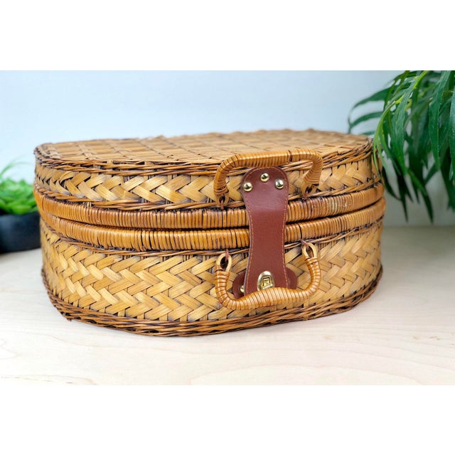 Traditional Vintage Round Split Oak Picnic Basket With Dishes, Cups, Utensils For Sale - Image 3 of 7