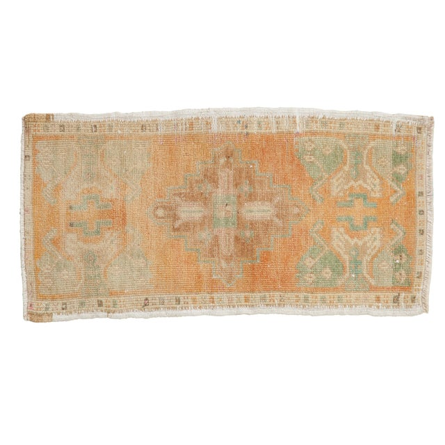 "Vintage Distressed Oushak Rug Mat - 1'6"" X 2'10"" For Sale In New York - Image 6 of 6"