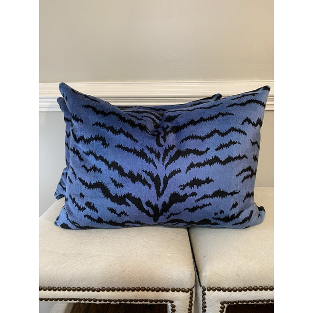 """2010s Scalamandre """"Tigre Blues & Black 18""""x24"""" Pillows-A Pair For Sale - Image 5 of 5"""