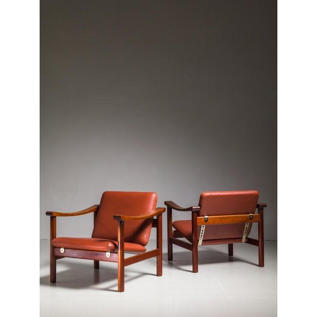GETAMA Hans Wegner Pair of Lounge Chairs for GETAMA, Denmark, 1950s For Sale - Image 4 of 4