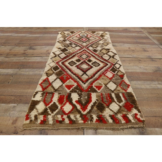 Late 20th Century Moroccan Berber Azilal Rug With Tribal Style - 3′ × 6′7″ For Sale - Image 5 of 9