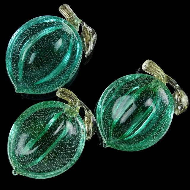 Murano Murano Vintage Green Gold Flecks Bullicante Italian Art Glass Lemon Lime Fruit Bowl For Sale - Image 4 of 7