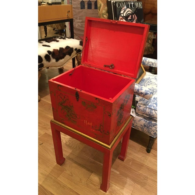 Red Chinoiserie Chest Box on Stand Table - Italy - Image 4 of 4