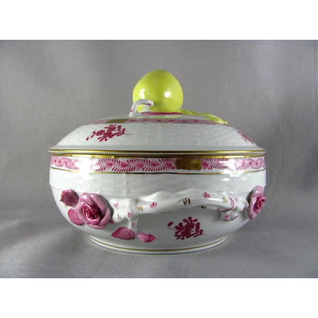Herend Chinese Bouquet Raspberry Bean Pot Tureen With Lemon Finial For Sale In Saint Louis - Image 6 of 10