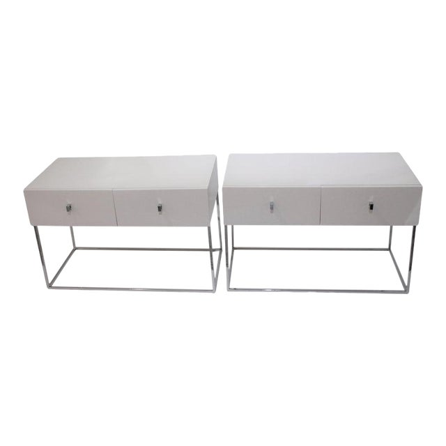 Bedside Tables Nightstands in White Lacquer by Rougier - a Pair For Sale