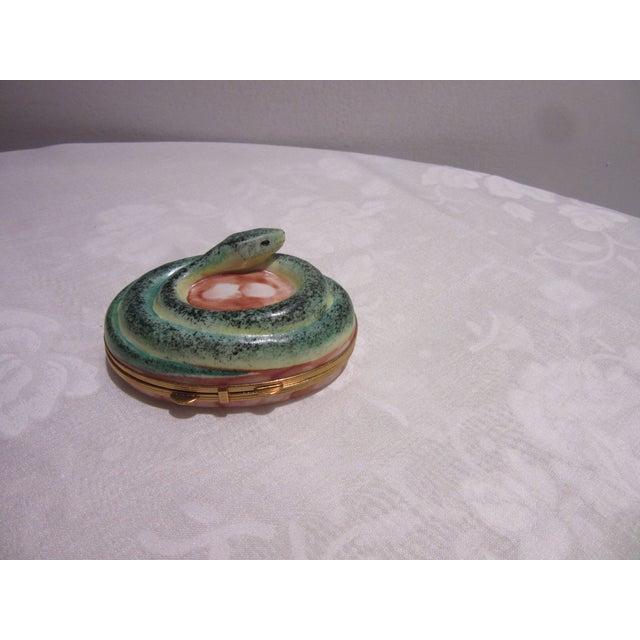 Limoges Chamart France Peint Main Hand Painted Snake Trinket Box For Sale In Philadelphia - Image 6 of 6