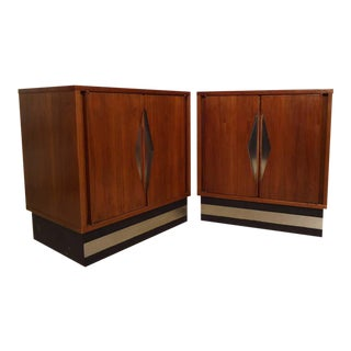 Pair of Mid-Century Modern Diamond Front Nightstands For Sale
