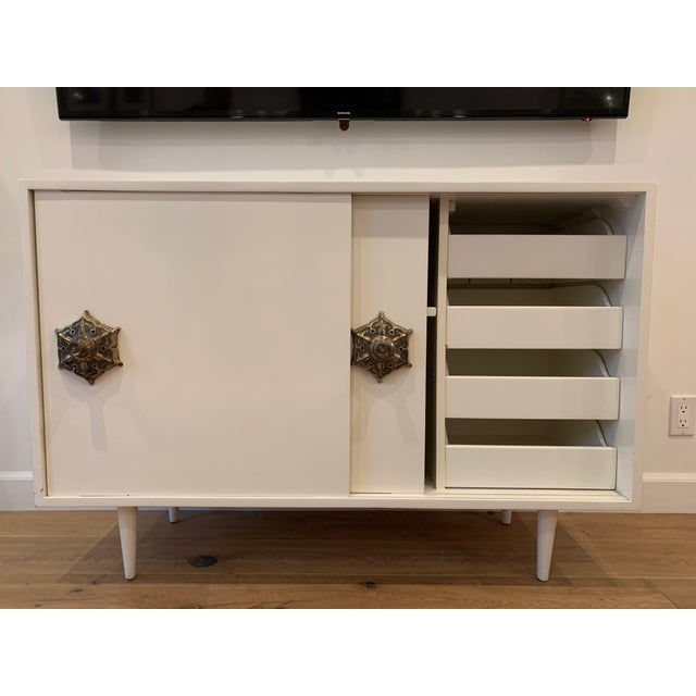 1950s Mid Century Modern Credenza With Detailed Pulls For Sale - Image 4 of 6