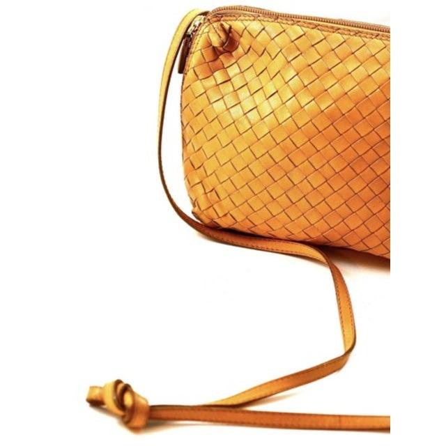 Tan Bottega Veneta Intrecciato Tan Cross Body Bag For Sale - Image 8 of 10