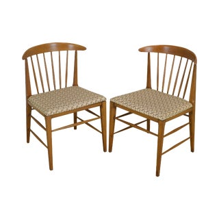 Heywood Wakefield Mid Century Modern Vintage Pair Spindle Back Side Chairs For Sale