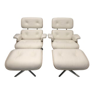 Authentic Herman Miller Eames Lounge Chairs & Ottomans - Set of 4 For Sale