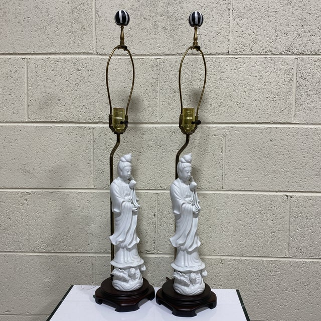 Seyei Seyei Fine China Quan Yin Lamps - a Pair For Sale - Image 4 of 10