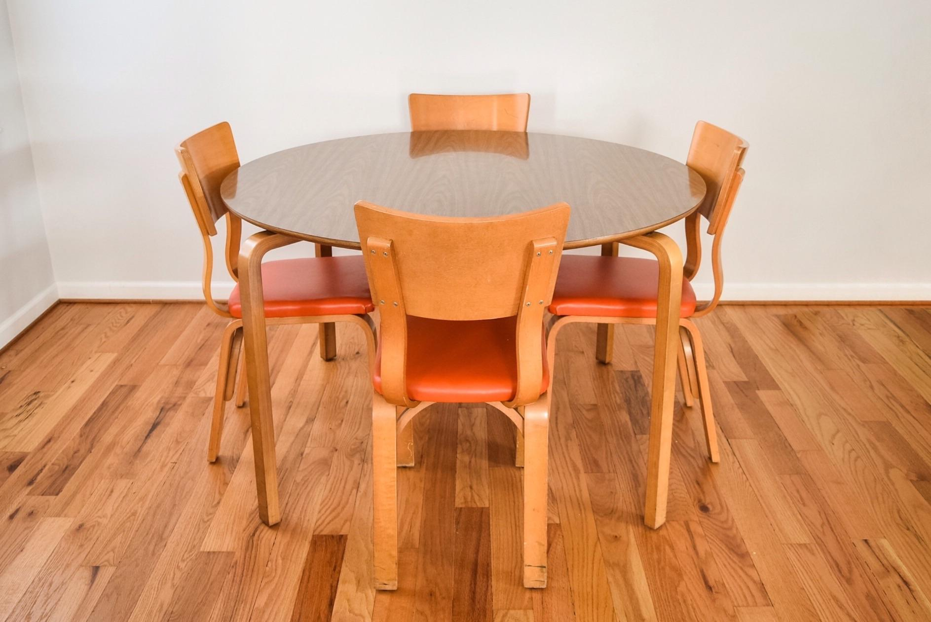 Charming Mid Century Thonet Bentwood Table U0026 Chairs   Image 3 Of 10