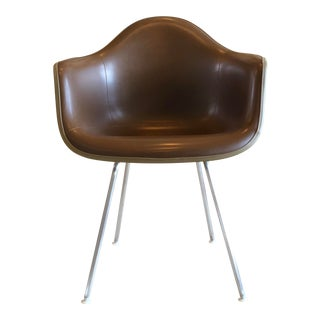 1960s Vintage Eames for Herman Miller Brown Naugahyde Lounge Armchair For Sale