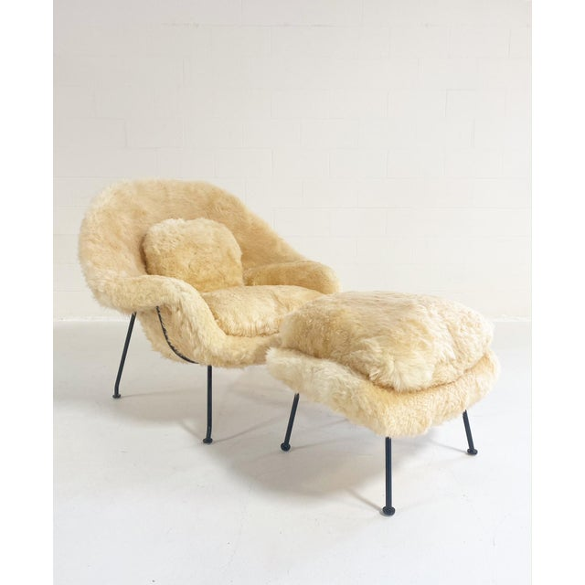 Cream Vintage Eero Saarinen Womb Chair and Ottoman, Restored in Texas Sheepskin For Sale - Image 8 of 8